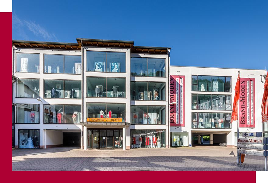 Außenansicht Modehaus Brand-Moden in Leidersbach bei Frankfurt und Würzburg